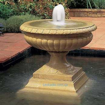 Чаша фонтана: преимущества изготовления и расположения на участке