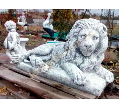 Лев лежачий