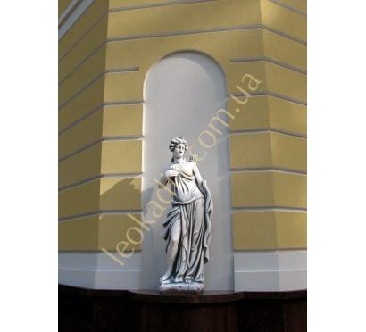 """Скульптура """"Лучница"""" арт. 249 в оформлении фасада"""