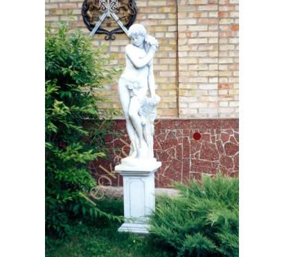 "Скульптура ""Женщина с ромашкой"" арт. 347 на тумбе арт. 121"