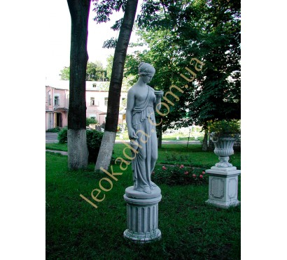 "Благоустройство территории- скульптура ""Женщина с амфорой"", ваза ""Чаша"" на тумбах"