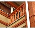 Балконы и крыльцо коттеджа на Берковцах